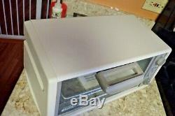 Black + Decker Spacemaker Toast-R-Oven Broiler 1550 Watts TRO-200 TY5 NEW NO BOX