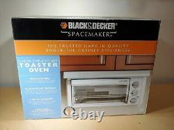 NIB Black & Decker Spacemaker Under the Cabinet Toaster Oven with Hood TROS1500