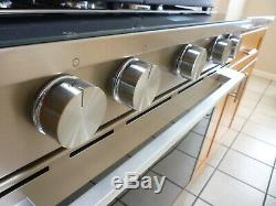 Whirlpool Gas stove convection oven / Touch Screen with WiFi biult-in